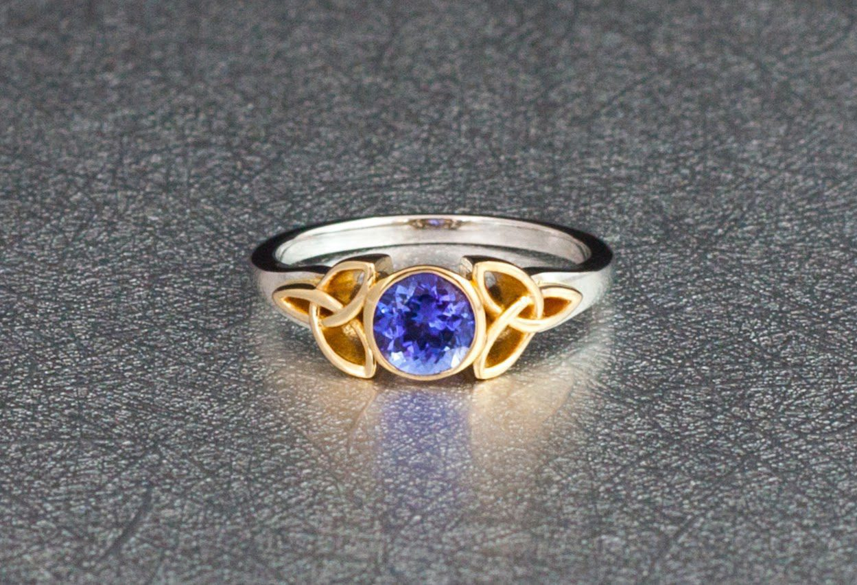 aa18dce35e84f Tanzanite (Zoisite) Value, Price, and Jewelry Information ...
