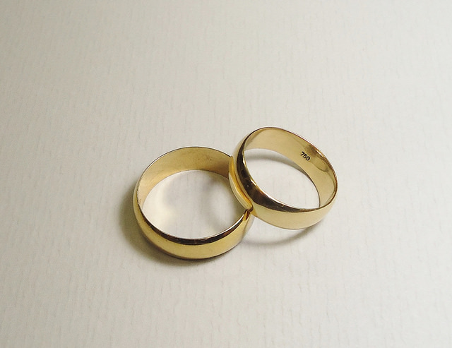 jewelry metals - 18k gold wedding rings