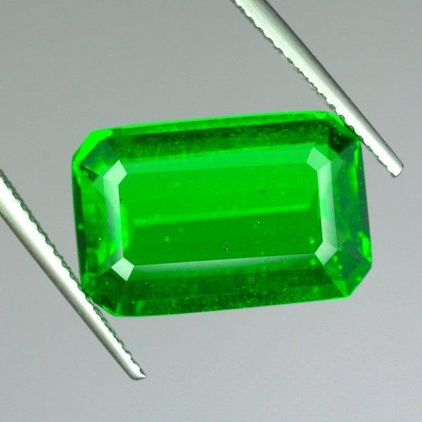 emerald-cut moldavite