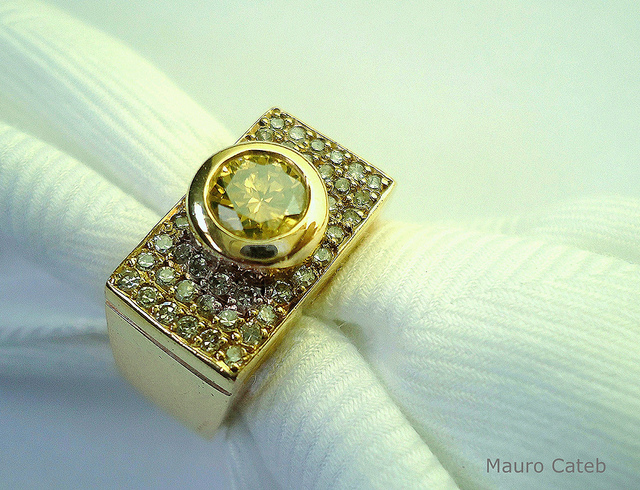 yellow diamond ring - diamond rating