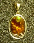 jewelry metals - yellow gold pendant