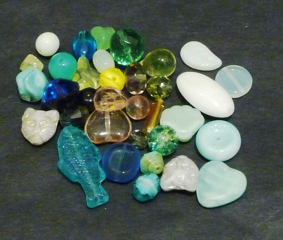 uranium glass, incandescent light - glass gemstones