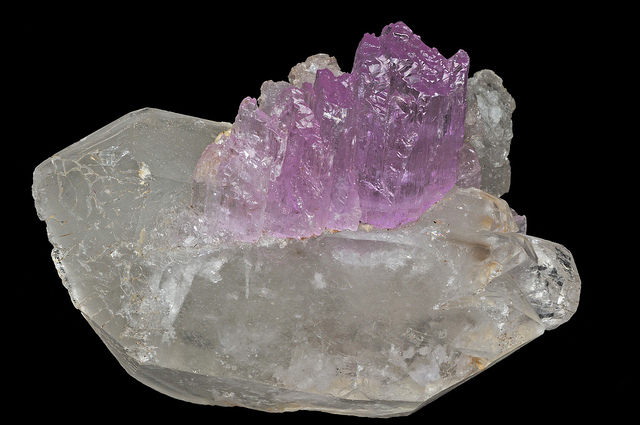 kunzite - uncommon elements uncommon gemstones