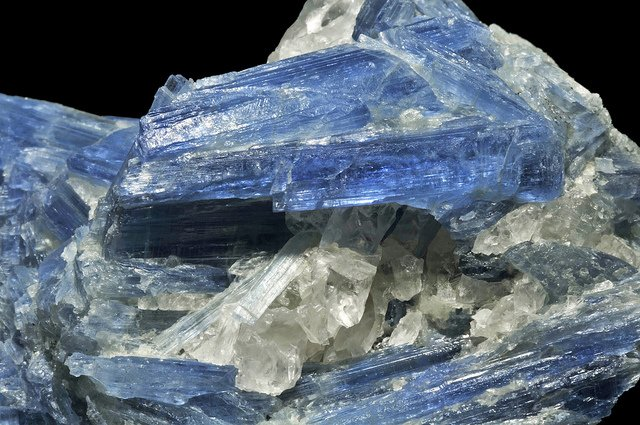 Kyanite - gemstone hardness