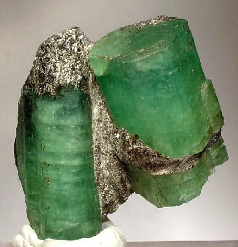 emeralds in biotite schist - Russia