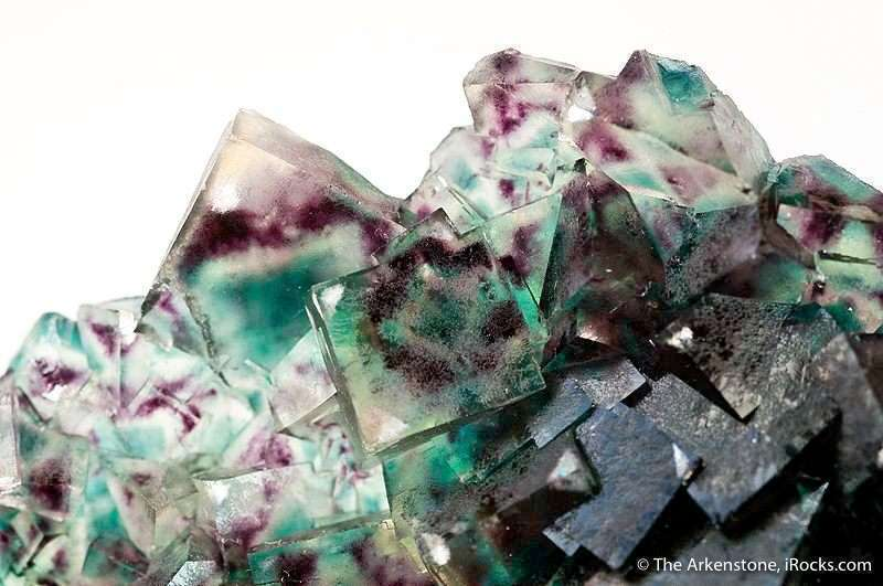 fluorite with color zoning and phantoms - gem formation