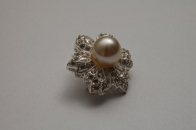 pearl symbolism - brooch
