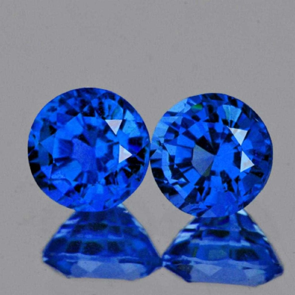 Pair of round-cut haüyne gems - Germany