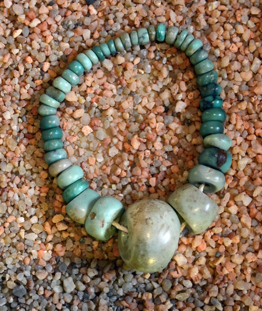 callaïs or variscite Neolithic necklace