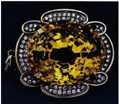 CORUNDUM: Sapphire, Sri Lanka (184, in gold pendant with diamonds)