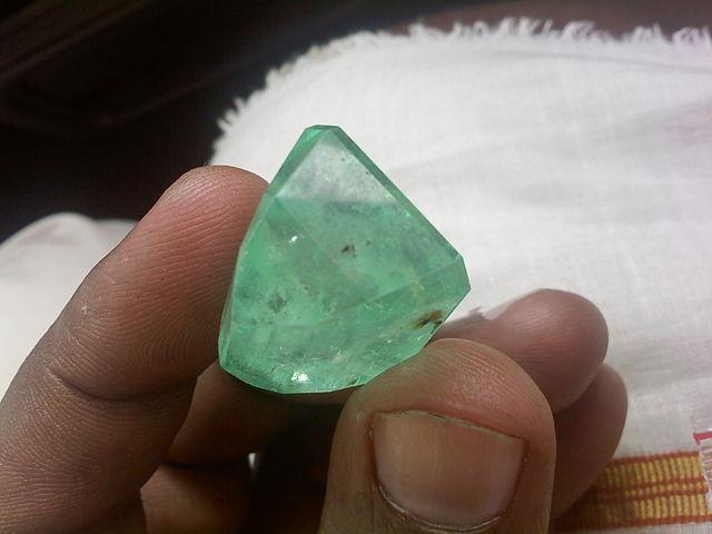 emerald symbolism - cut stones