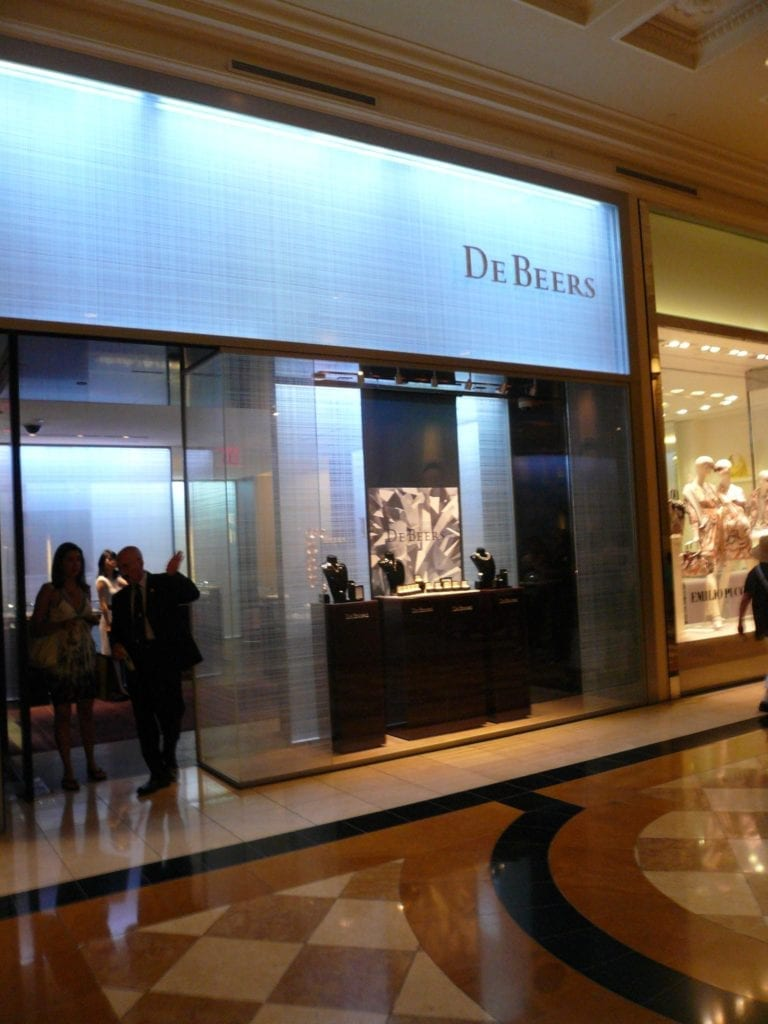 diamond myths - De Beers, Las Vegas