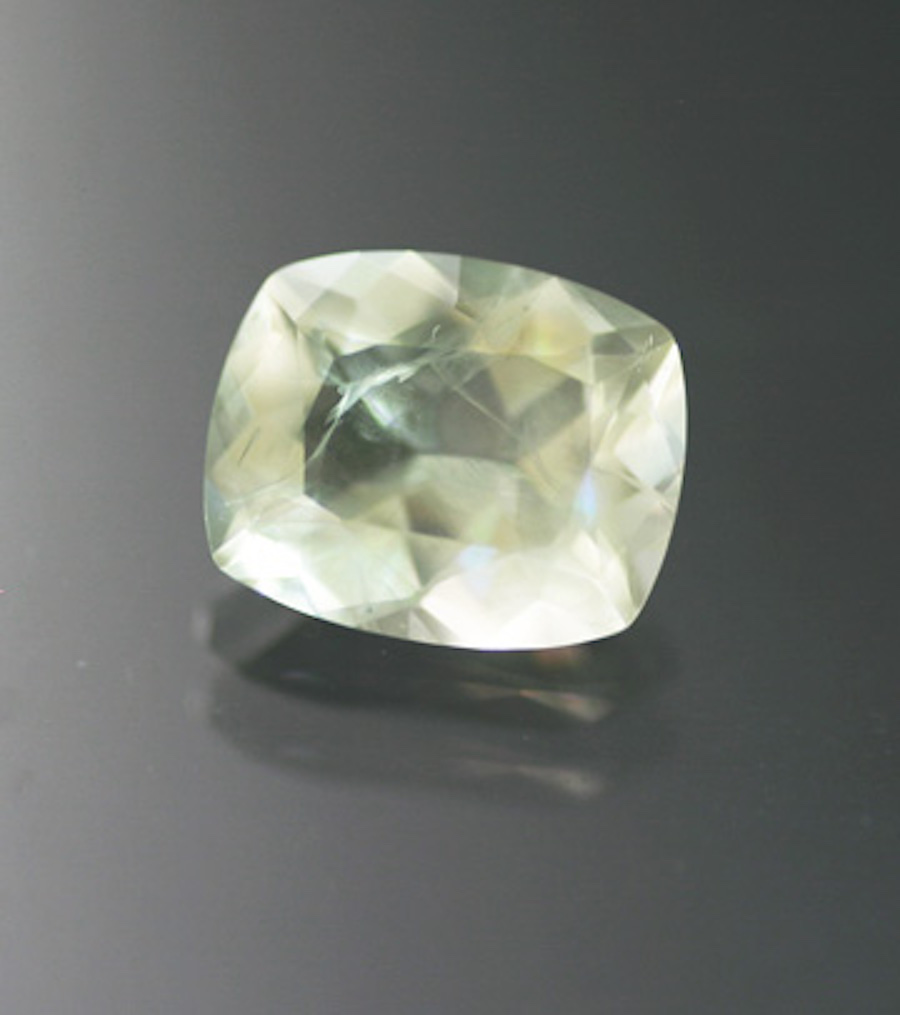 cushion-cut leucite 2 - Italy