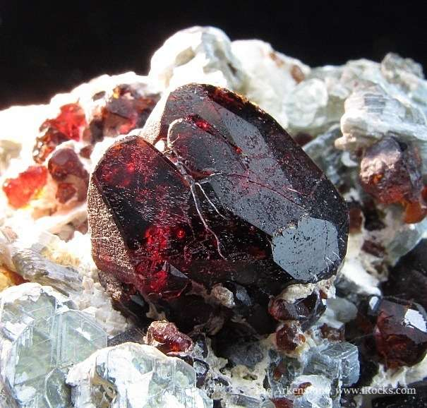 chondrodite and clinochlore crystals - Afghanistan