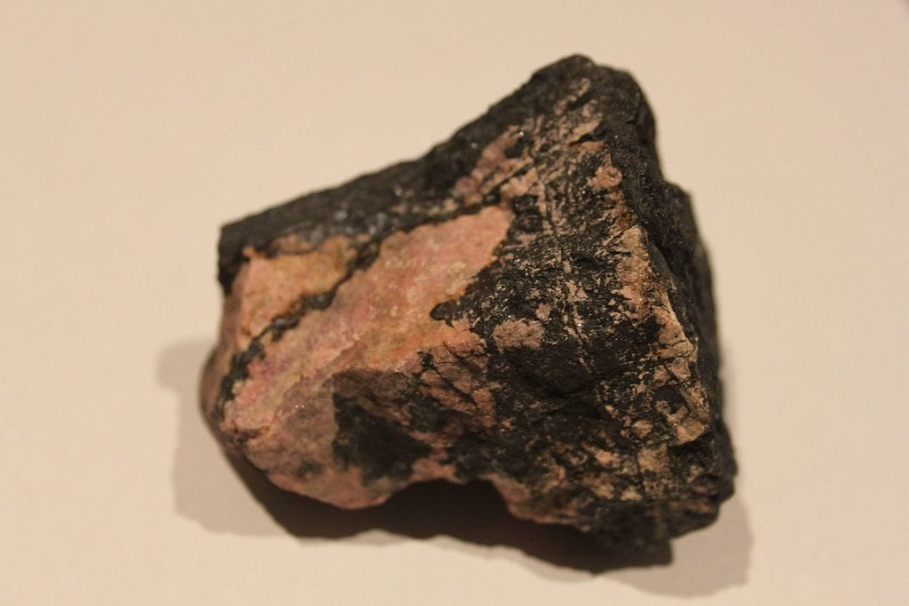 pyroxmangite, rhodonite, and todorokite - Catalonia