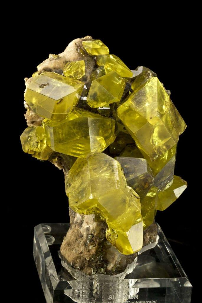 Sulfur with hydrocarbon inclusions - Cozzodisi Mine, Sicily