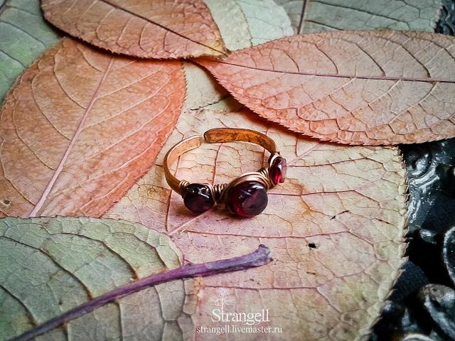 polishing garnets and tourmalines – ring stone