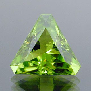 Fancy Barion Triangle Cut Peridot, Pakistan, 4.90 cts