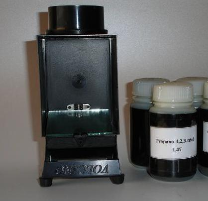 black box for total immersion testing - refraction liquids