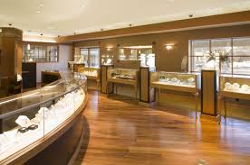Jewelry Store Gemologist - gemology career options