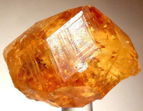 grossular crystal - Quebec