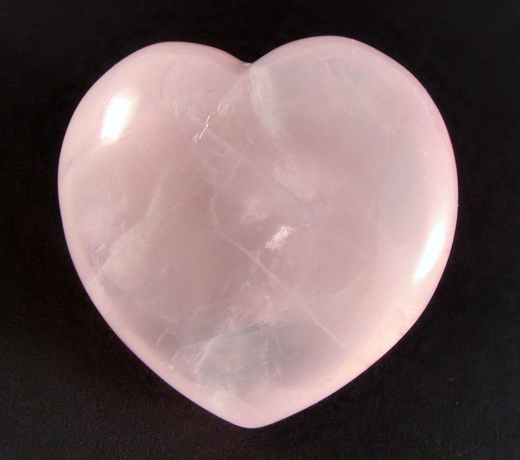 rose quartz - heart cut