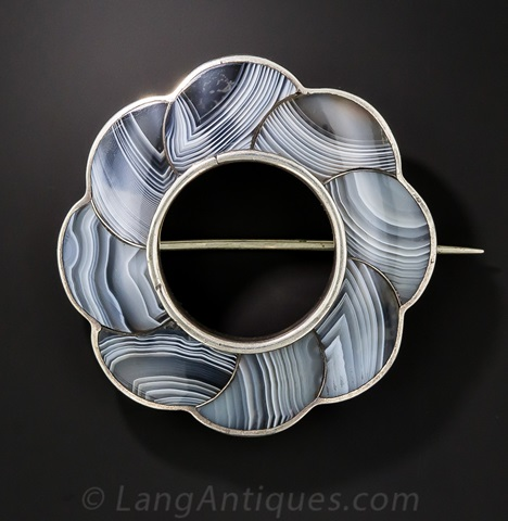 Scottish Agate Brooch - Romantic Period jewelry
