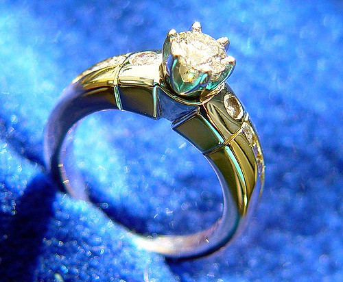 gold, platinum, and diamond ring - diamond grade categories