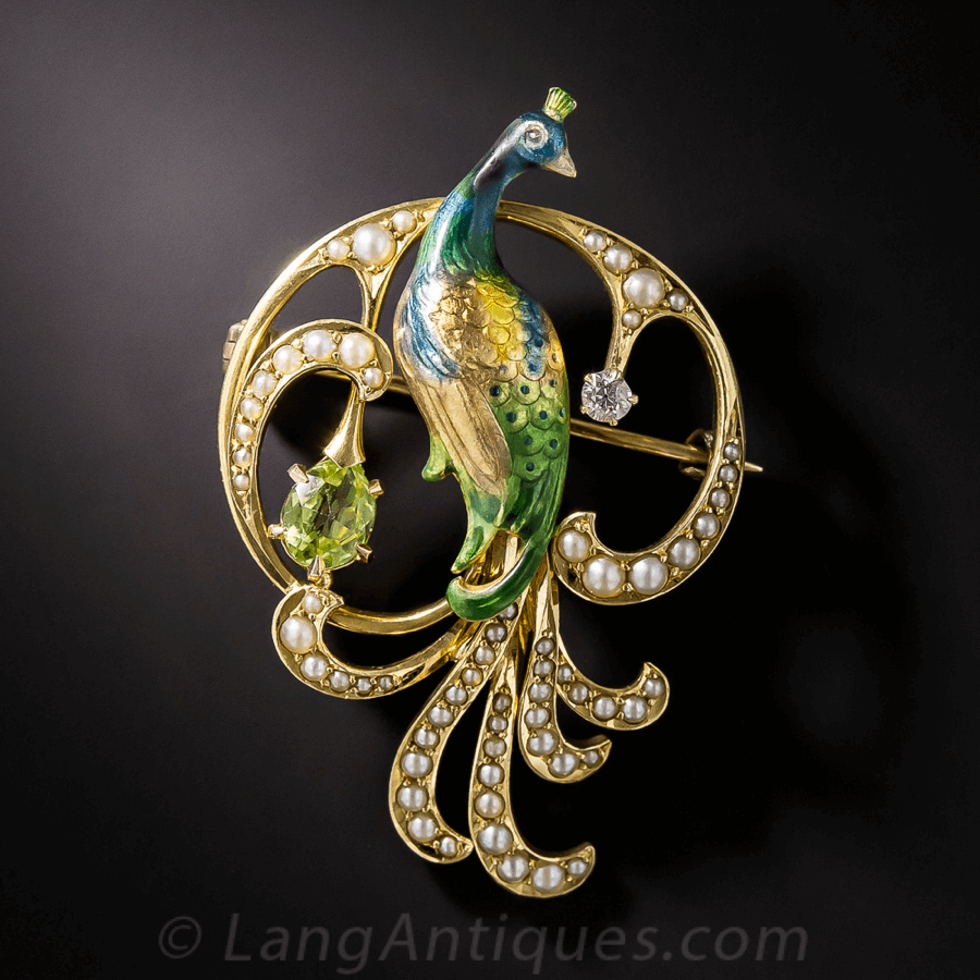 Belle Époque Jewelry Art Nouveau Peacock Pin surrounded by 62 seed pearls