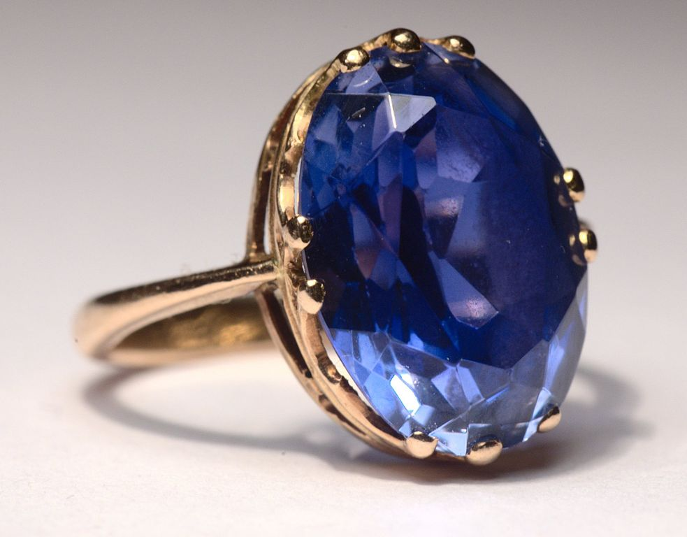 how to clean your gemstone jewelry - sapphire ring