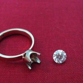 solitary ring and round diamond - diamond symmetry