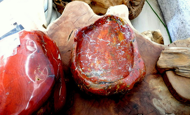 """Red Jasper Sink"" by IndoGemstone is licensed under CC By 2.0"