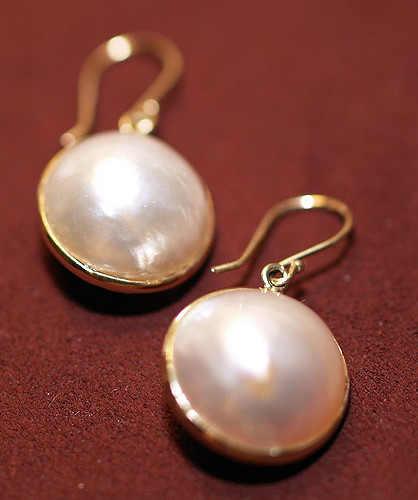 gemstone doublets - mabe pearls