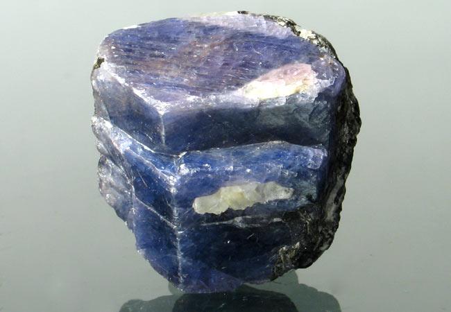 sapphire buying -crystal, Madagascar