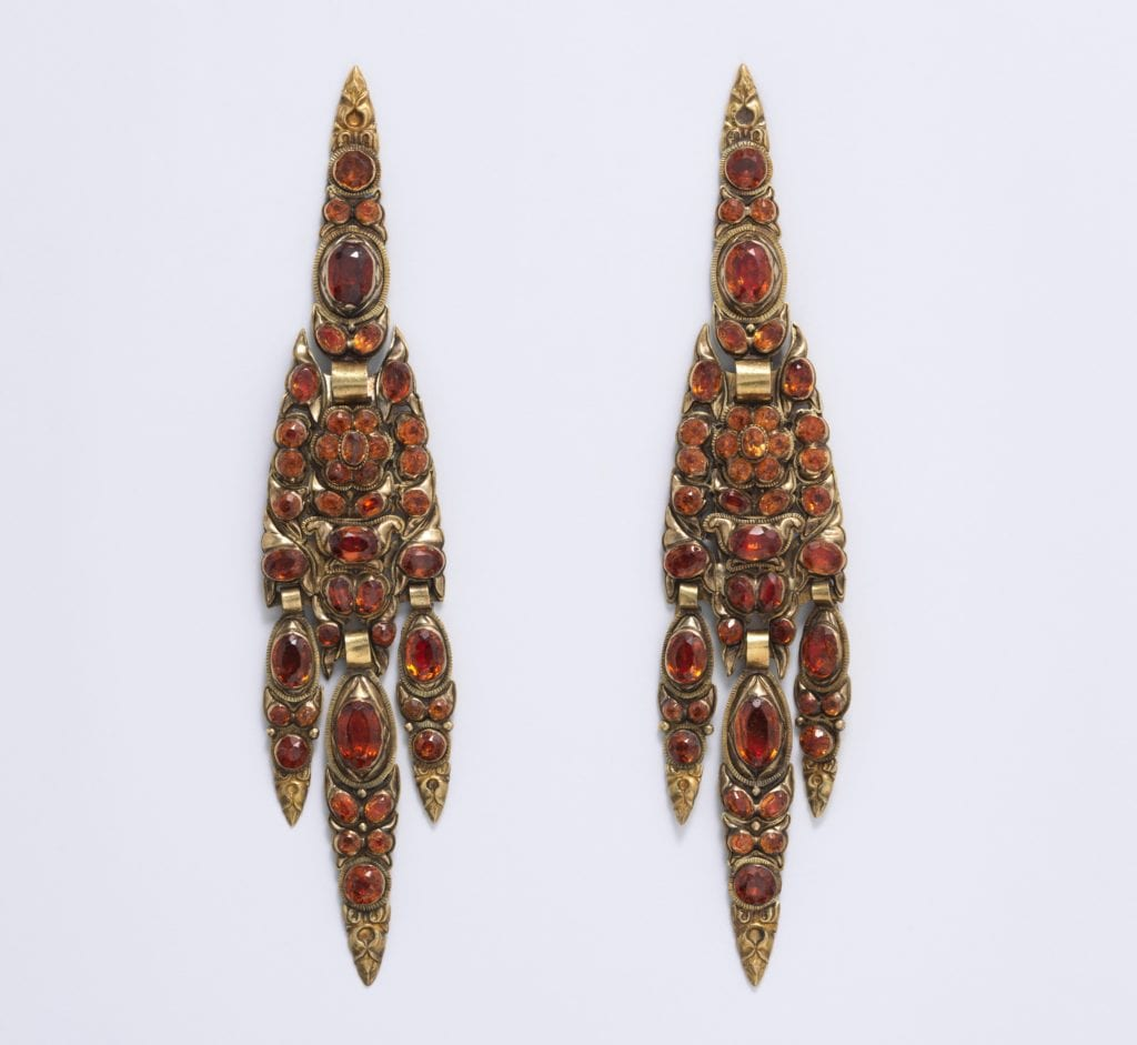 gold and hyacinth earrings - 19th century, Spain