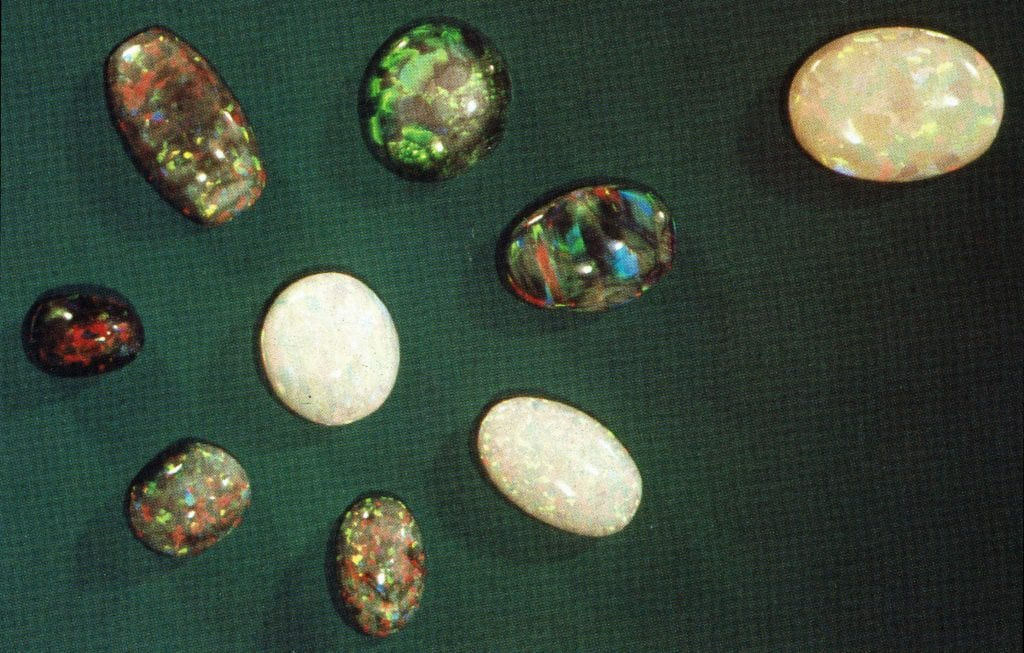 Gilson opals - synthetic opal gems