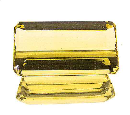 """Emerald-Cut Rare Yellow Topaz from Ouro Preto, Brazil"" by Wiener Edelstein Zentrum is licensed under CC By-SA 3.0"