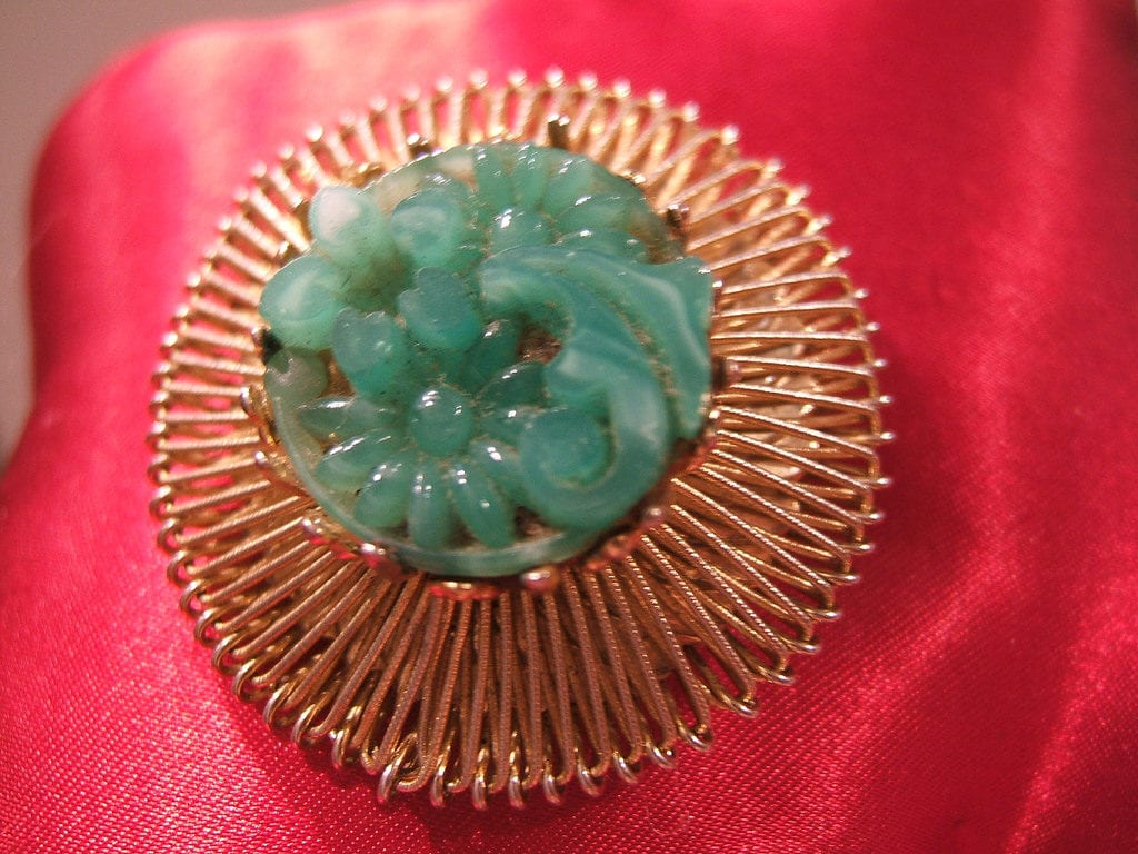 faux jadeite - vintage brooch