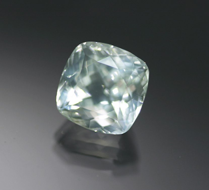 square-cut moonstone 3 - Austria