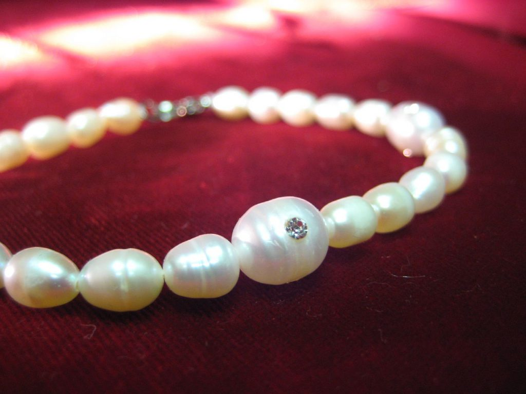 d7f24dbed6001 Pearl Value, Price, and Jewelry Information - International Gem Society