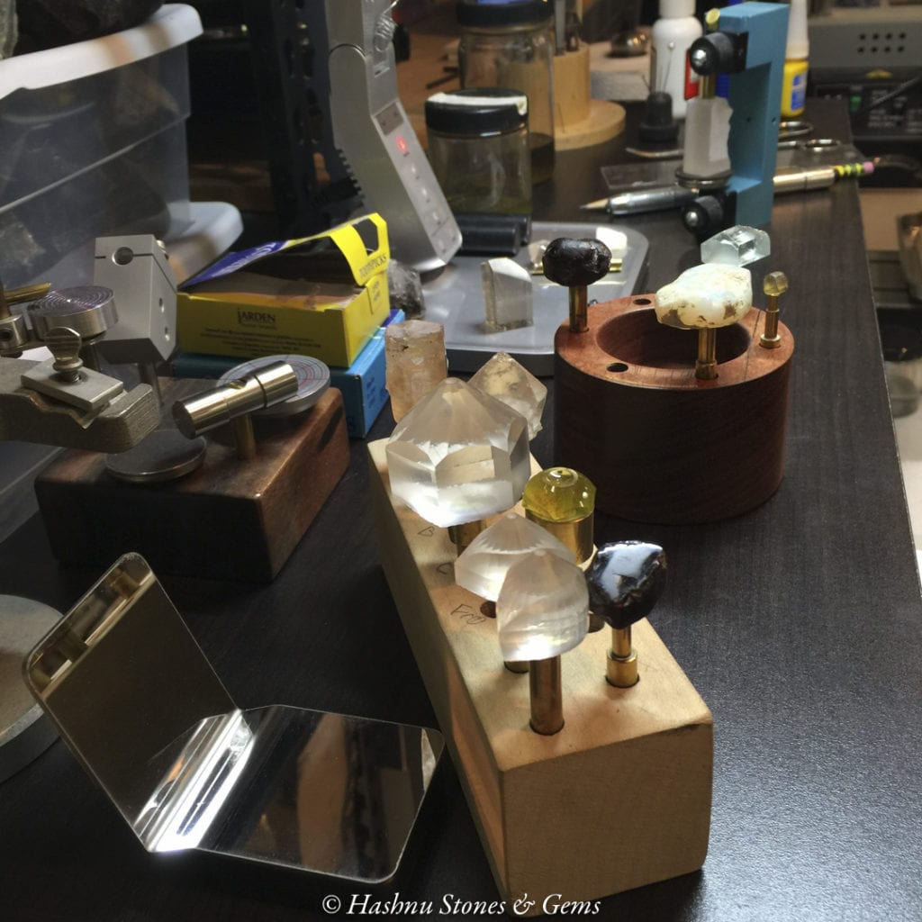 faceting process - dopping station