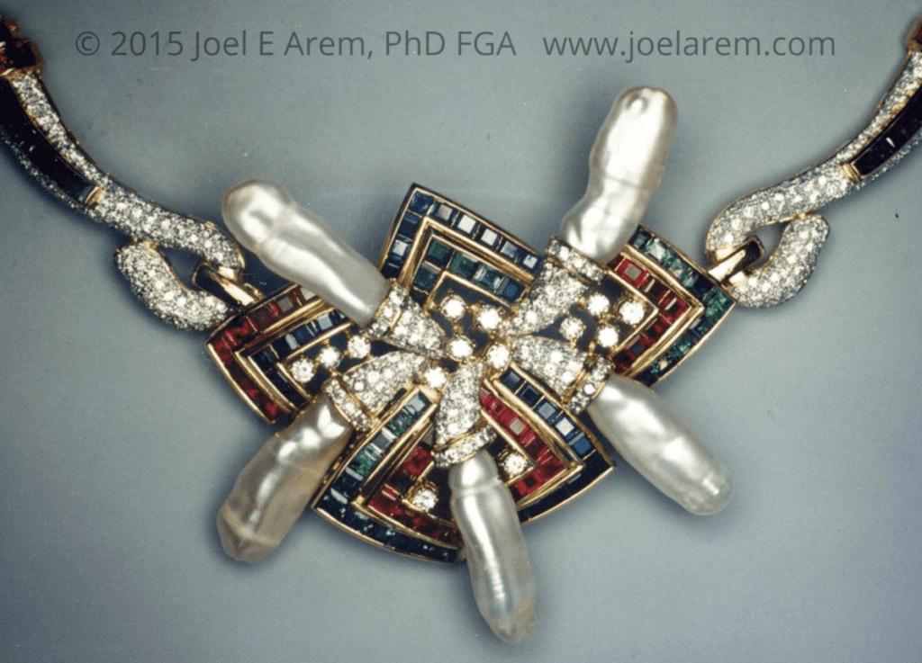 AGTA Spectrum award-winning necklace