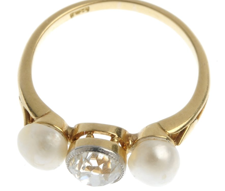 Diamond ring and saltwater pearls 2
