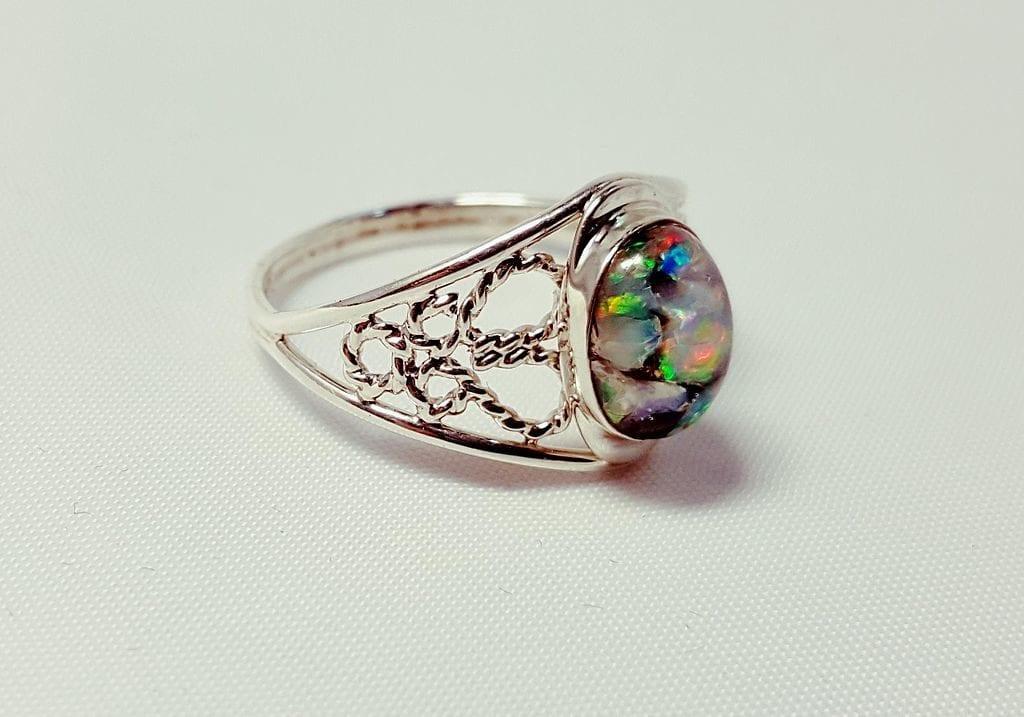 opal ring, Slovakia - opal symbolism