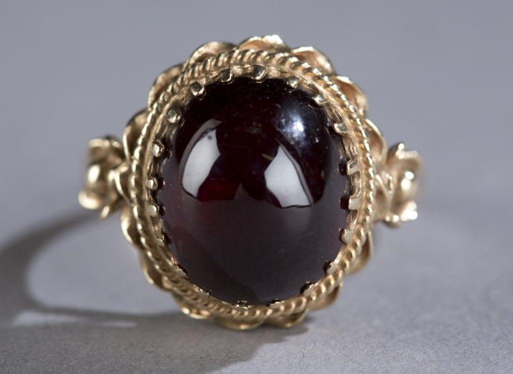 carbuncle ring