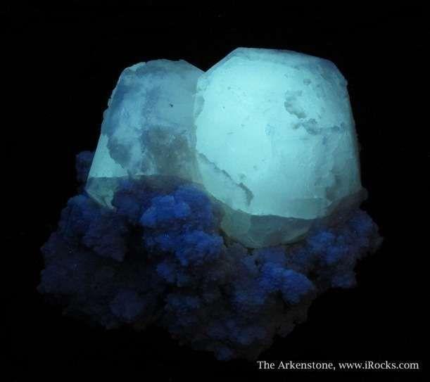 pollucites (fluorescent) - Pakistan