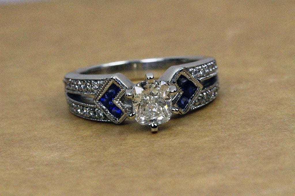 vintage diamond and sapphire ring - diamond rating