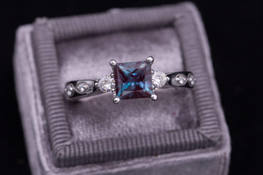 Alexandrite - Square-cut lab-created alexandrite ring