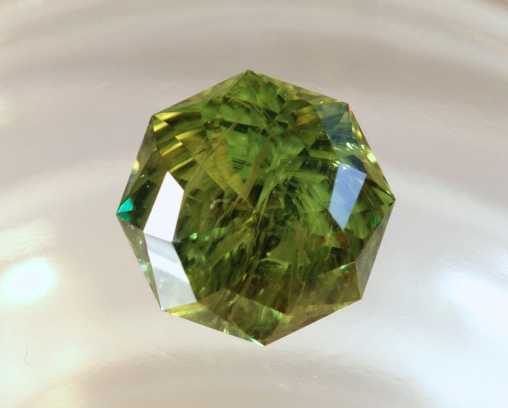garnet buying - demantoid horsetail inclusions