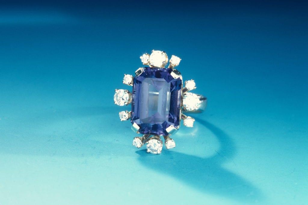 tanzanite and diamond jewelry
